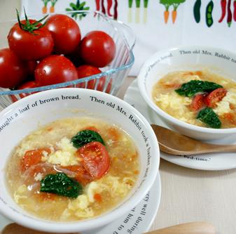 トマトでふんわり卵スープ