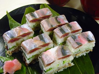 サンマの二段押し寿司